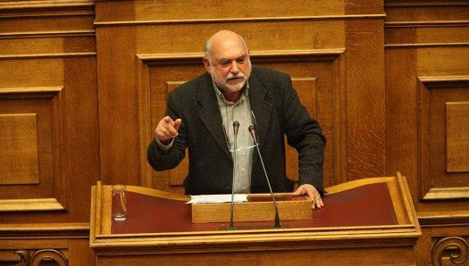 Ν. Συρμαλένιος: Εξίσωση στις αμοιβές γιατρών και προσωπικού του Νοσοκομείου Θήρας με τις αμοιβές του ΕΣΥ
