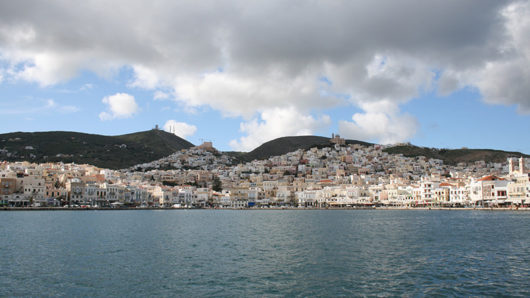 syros ermoypoli limani