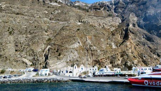 athinio limani santorini