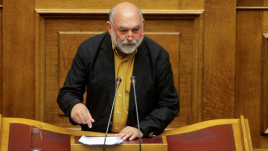 Ν. Συρμαλένιος: «Κατεδαφιστικά τα μέτρα για την εργασία, ανεπαρκή για τις μικρές επιχειρήσεις, ανύπαρκτα για τις δημόσιες δομές υγείας στα νησιά»