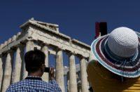 akropolis touristes 1