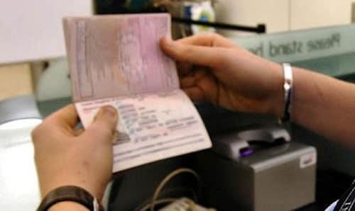 Νότιο Αιγαίο: Συνελήφθησαν 11 αλλοδαποί για πλαστογραφία ταξιδιωτικών εγγράφων