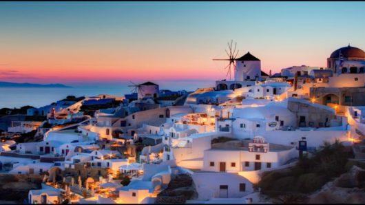 Σε Μύκονο και Σαντορίνη η μεγαλύτερη αύξηση τουριστών φέτος