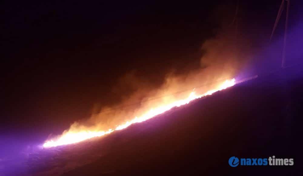 Μεγάλη φωτιά στην Κόρωνο