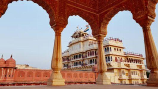 Σουίτα σε παλάτι βασιλικής οικογένειας για μίσθωση μέσω Airbnb