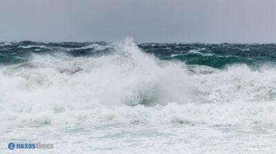 Θυελλώδεις άνεμοι κύματα