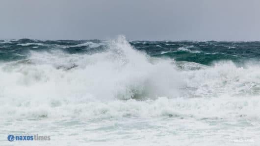 Κυκλάδες: Προειδοποίηση για τσουνάμι με μηνύματα στα κινητά