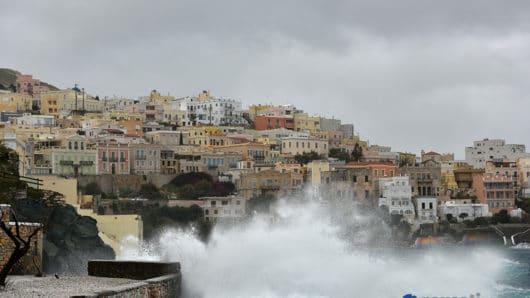 Επιδείνωση καιρού στο Νότιο Αιγαίο – Οδηγίες προστασίας από τα έντονα καιρικά φαινόμενα