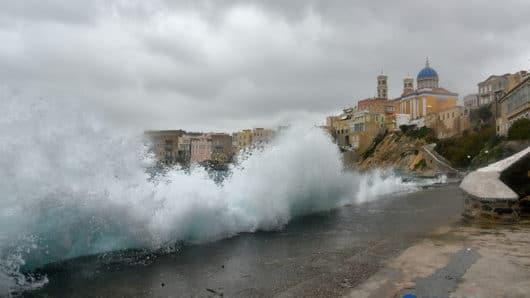 Λιμεναρχείο Νάξου: Προειδοποίηση για πιθανή εκδήλωση τσουνάμι