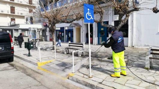 Καθαριότητα και απολύμανση στους δρόμους της Τήνου