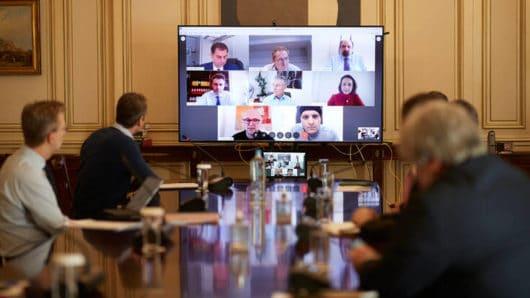 Ανησυχία μετά τα 50 κρούσματα κορωνοϊού – Σύσκεψη αύριο στο Μαξίμου