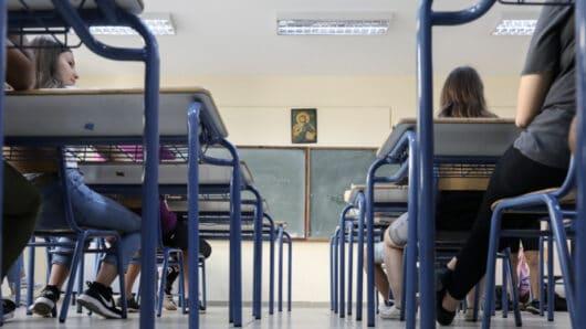Νάξος: Να γιατί δεν έκλεισε τμήμα σχολείου με μαθήτρια επιβεβαιωμένο κρούσμα κορωνοϊού