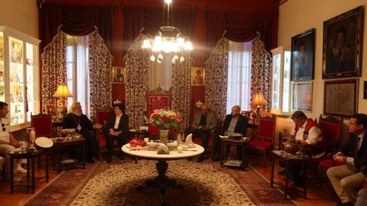 Εθιμοτυπική επίσκεψη της Γ.Γ. Νησιωτικής Πολιτικής στον Μητροπολίτη Σύρου