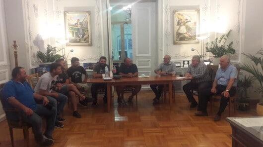 Συνάντηση Φιλήμονα Ζαννετίδη με εκπροσώπους συλλόγων πρωτογενούς τομέα στη Σύρο
