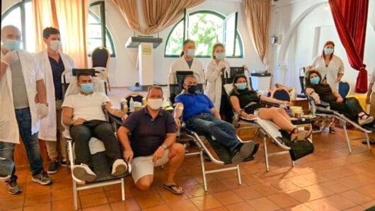Έσπασε ρεκόρ η συμμετοχή στην αιμοδοσία του Συλλόγου Φιλωτιτών – Αιμοδότης και ο υπουργός Εργασίας (φώτος)