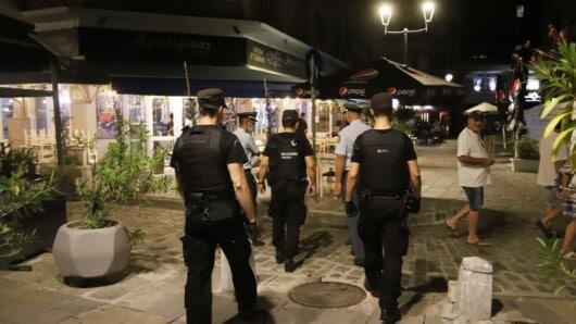 Τήνος: Σύλληψη και πρόστιμο για παραβίαση αναστολής λειτουργίας καταστήματος