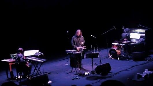 Μουσική με θέα: Συναυλία του David Lynch στον αρχαιολογικό χώρο στα Ύρια υπό το φως της Πανσελήνου