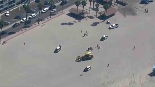 Καλιφόρνια: Οδοστρωτήρας πάτησε γυναίκα που κοιμόταν σε παραλία (video)