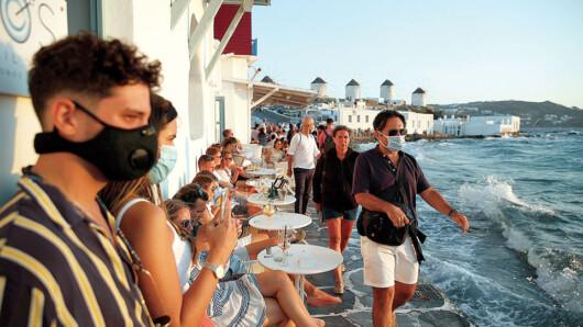 Κορωνοϊός: Καθολική χρήση μάσκας στη Μύκονο
