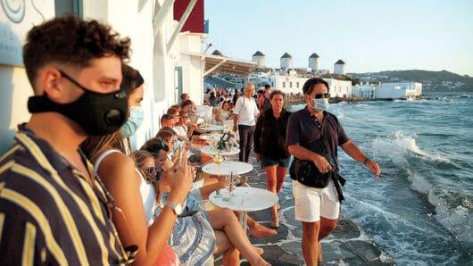 Μάσκα παντού και απαγόρευση κυκλοφορίας μετά τις 00:30 σε Π.Ε. Κέας-Κύθνου, Μυκόνου και Σαντορίνης
