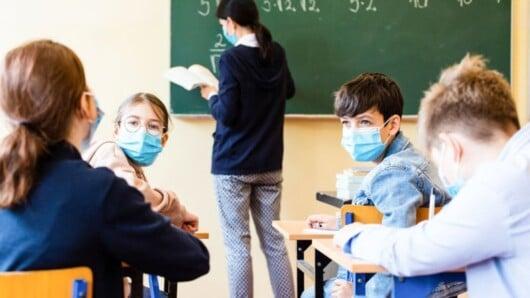 Κορωνοϊός: Κάθε Τετάρτη θα ανακοινώνονται τα κρούσματα σε παιδιά και μαθητές από τον ΕΟΔΥ