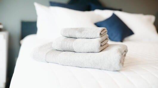 κλινοσκεπάσματα και πετσέτες