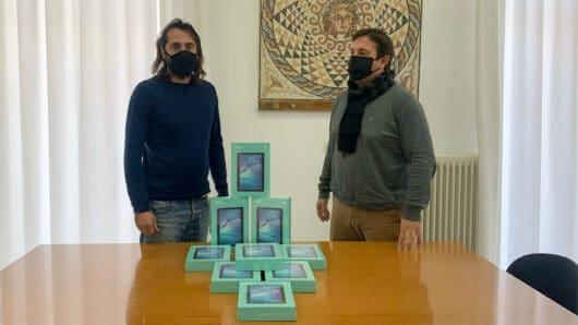 Tablet δώρισε στους μαθητές ο δήμος Ιητών
