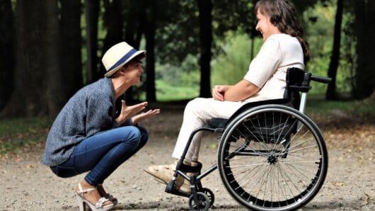 Εξειδικευμένη εκπαιδευτική υποστήριξη μαθητών με αναπηρία από ευρωπαϊκούς πόρους της Περιφέρειας