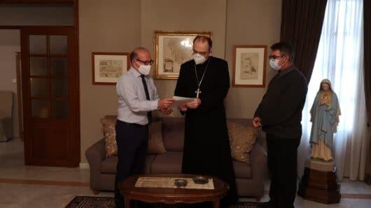 Συνάντηση Λεονταρίτη – Καθολικού Επισκόπου Σύρου για το Συνεδριακό και Αθλητικό κέντρο