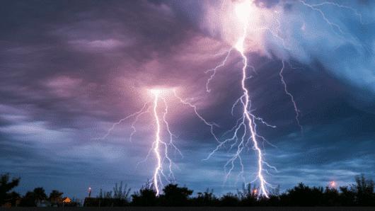 Καιρός-Κυκλάδες: Ισχυρές καταιγίδες και τσουχτερό κρύο φέρνει τις επόμενες μέρες ο «Λέανδρος» – Αναλυτική πρόγνωση