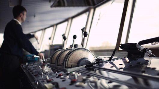 Με παρέμβαση του Φίλιππου Φόρτωμα ο κατά προτεραιότητα εμβολιασμός των ναυτικών