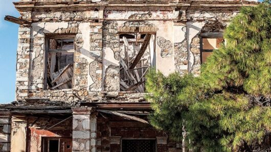 SOS για τα νεοκλασικά της Σύρου