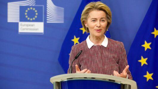 Η Σύρος σε tweet της Προέδρου της Ευρωπαϊκής Επιτροπής για τον εμβολιασμό κατά του κορωνοϊού
