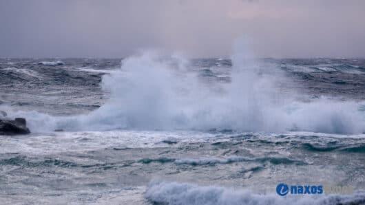 Καιρός: Θυελλώδεις βοριάδες στο Αιγαίο την Πέμπτη – «Προσοχή» εφιστούν τα Λιμεναρχεία Σύρου και Νάξου