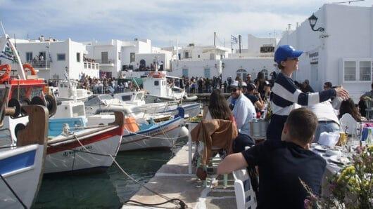 Πάρος: Αυξητικές σε σχέση με πέρσι οι τάσεις των κρατήσεων στα ξενοδοχεία του νησιού