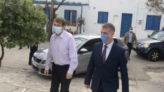 Χρυσοχοϊδης από Πάρο: «Θα καταστήσουμε διεθνές το αεροδρόμιο της Πάρου»