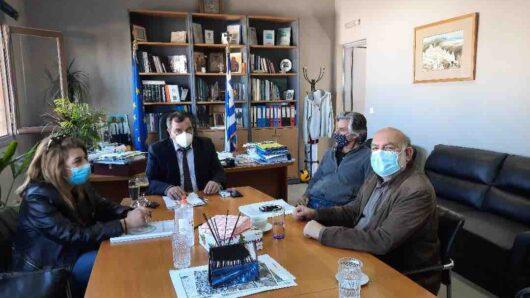 Διήμερη επίσκεψη Νίκου Συρμαλένιου στη Σαντορίνη