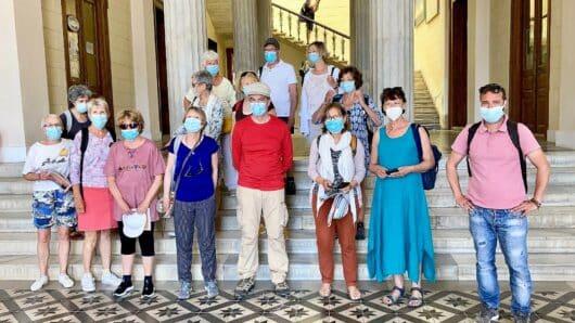 Σύρος: Γάλλοι πεζοπόροι οι πρώτοι τουρίστες της φετινής σεζόν