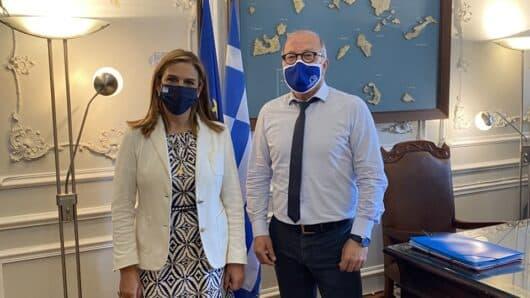 Επίσκεψη της Υφυπουργού Υγείας στον Αντιπεριφερειάρχη Κυκλάδων