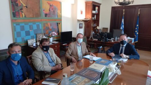 Στο Υπουργείο Εσωτερικών αντιπροσωπεία του Δήμου Σύρου-Ερμούπολης, με επικεφαλής τον Νίκο Λειβαδάρα