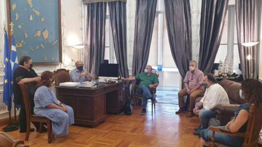Επίσκεψη Συρμαλένιου στον Γιώργο Λεονταρίτη για την ΜΠΕ του λιμανιού της Ερμούπολης