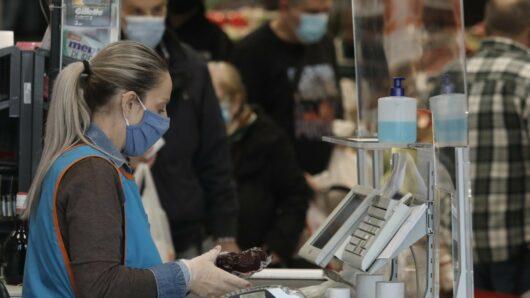 Σούπερ μάρκετ – καταστήματα: Στο τραπέζι ψώνια με αρνητικό τεστ κορωνοϊού